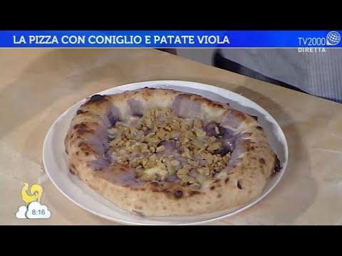 La pizza con coniglio e patate viola